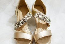 Champagne gold wedding shoes by Helen Kunu by Kunu Looks