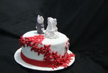 Hello Kitty Wedding Cake by Cake Studio Indonesia