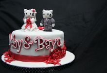 Hello Kitty Wedding Cake by Cake Studio Indonesia