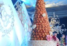 Wedding of Otniel & Felicia - Wedding Croquembouche by Questo La Casa Pastry