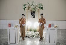 Menara Mandiri - Foyer Decoration Inspiration for New Normal Wedding by IKK Wedding Venue