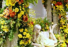 Central Flower Extravaganza by Elssy Design
