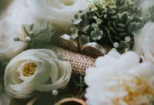 The Wedding of Lauren and Grace by Hello Elleanor