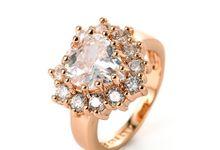 TIARIA Diamond Heart Ring Perhiasan Emas Cincin Berlian by TIARIA