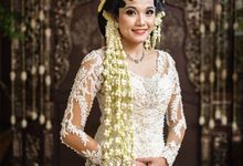 Kemegahan Candi di pernikahan Arimbi Tito by theSerenade Organizer