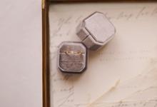 Octagon Velvet Ring Box by Lovelours