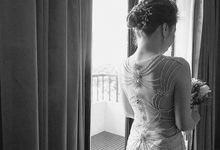 Beautiful Low-back Wedding Gown by Obra Alta Costura