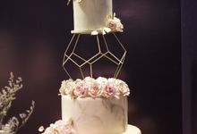 3 to 4 tiers by Gordon Blue Cake