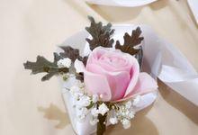 Boutonniere & Corsage by Frisch Florist