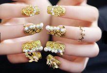 nail art- 24 pcs kuku palsu dengan warna gold super mewah by Triwindu shop