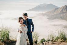 From The Mountain to The Sea // Prewedding in Bali by Mariyasa