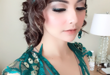 Make up and hairdo by Maharanee Make Up Artist