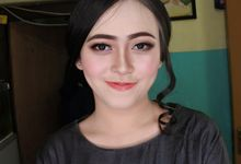 Makeup Engagement client suci by Cindy_prof_makeup