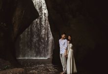 Affectionate Couple Portraits of Marianna & Daniel in Bali by fire, wood & earth