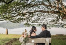 Martin Jnet Pre-Wedding | Strolling in a Park by Ducosky