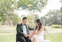 Martin Jnet Pre-Wedding | Strolling in a Park by Ducosky