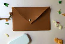 Myla Medium Envelope Pouch by Anssy Crafts
