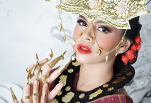 Makeup dan acc by melani indrawan by Melani Indrawan