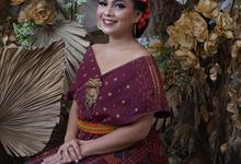 Makeup dan acc by melani indrawan by Melani Makeup dan Attire