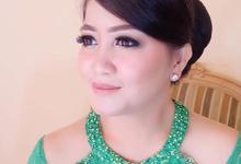 Party and Sister of bride makeup by Melani Makeup dan Attire