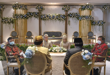 The Wedding Ms. Irdi & Mr. Frally by Mercure Jakarta Sabang