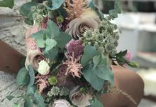 Rustique Bridal Bouquet by Mfreshflowers