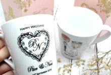 Mug Con Include Personalised Paperbag & Printing Decal by Fine Souvenir