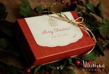 Christmas Tiny Little Gift Box by Minima Creative