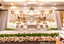 No reason is needed for loving by Joelle Decoration
