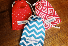 Custom pouch (makeup bag) as gift  by Molusca Project