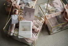 Bridesmaid , sister and bestman hampers by Mondaybloom