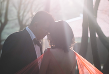 V + L engagement session by Mooi Pictures