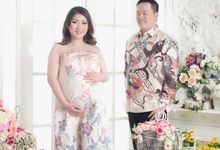 Fenny Maternity portrait by Motoinc Studio