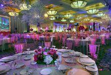 Beautiful Wedding Light of Ken & Melissa by Etcetera Lighting