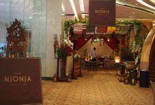 The Njonja Gourmet Catering In Artpreneur Wedding by The NJONJA, Gourmet Catering