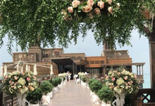 Wedding flower decor  by mydubaiweddingplanner.com
