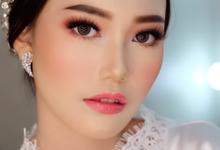 Wedding makeup and hairdo by Natcha Makeup Studio