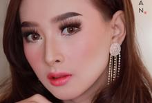 Thai wedding makeup by Natcha Makeup Studio