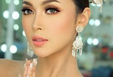 Thai make-up bridal  by Natcha Makeup Studio