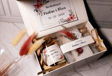 Kristian & Olivia Wedding Giftset by nunagift