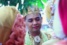 TRADITIONAL WEDDING CANDID F & L by FRAME PHOTOWORK