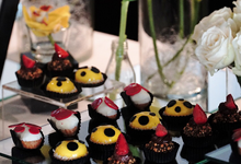Canape table for Yayoi Kusama Exhibition  by Nomz Catering