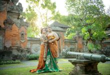 Pre Wedding Traditonal Bali Costum by d bali photography