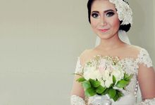Wedding Hand Bouquet by Colours Florist