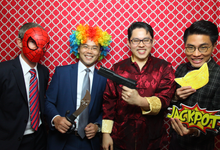 Instant Print Photobooth  by Oh Snap Productions
