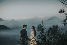 Bromo Pre-Wedding by Laksono Picture
