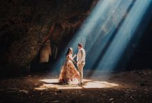 Destination Prewedding Lombok with Diverse Magnificent Landscapes by fire, wood & earth