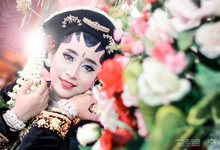 Tonjong Wedding by OPUNG PHOTOGRAPHIC