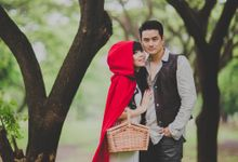 Red Riding Hood and The Hunter by Cravt Photo Props