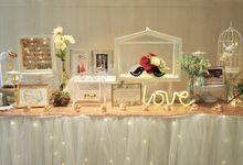 Photo Album Table_Elegant Touch by Jcraftyourevents